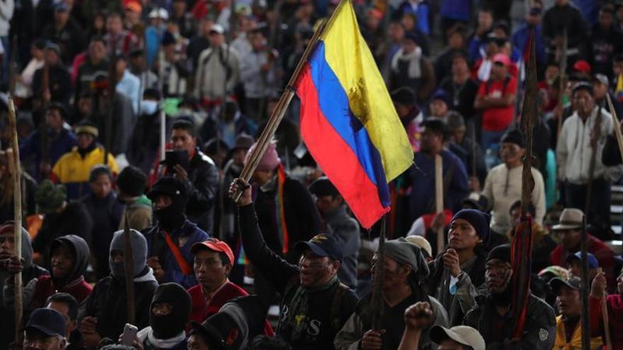 Cientos de guerreros indígenas de la Amazonía se unen a las protestas en Quito
