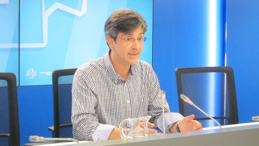 Arana critica a la Junta Electoral por no haber suspendido la concentración de la Falange