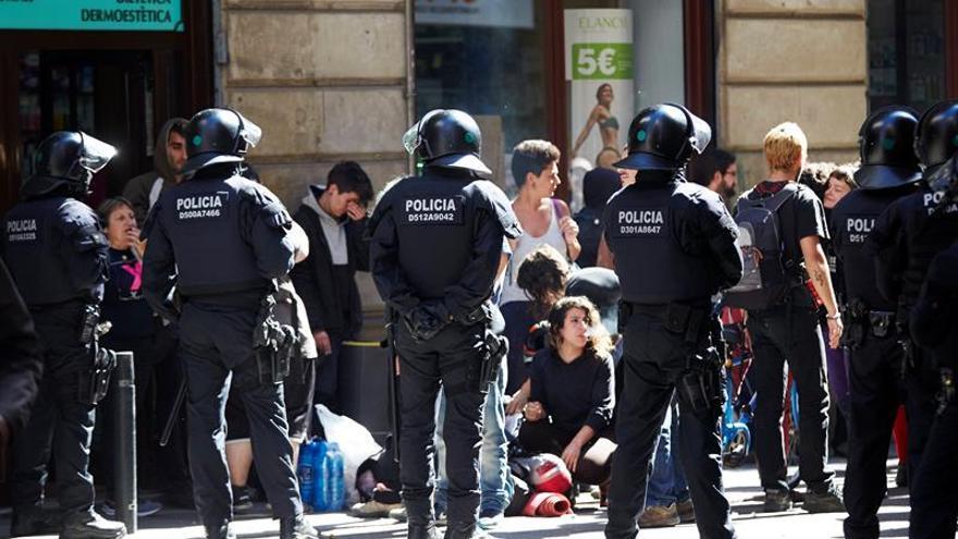 """Manifestación contra el desalojo del """"banco expropiado"""" acaba con incidentes"""