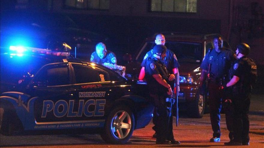 Arrestadas a tres personas tras un tiroteo mortal contra dos policías en EE.UU.