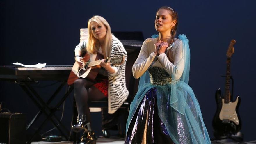 Un momento de la representación de 'Royal Flush: Shakespeare vs Cervantes'.