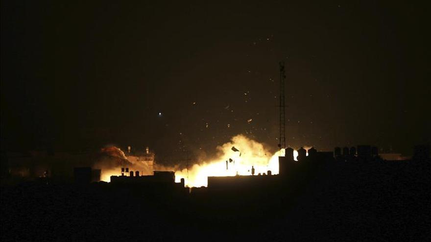 La aviación israelí bombardea objetivos en Gaza en respuesta a un disparo de un cohete
