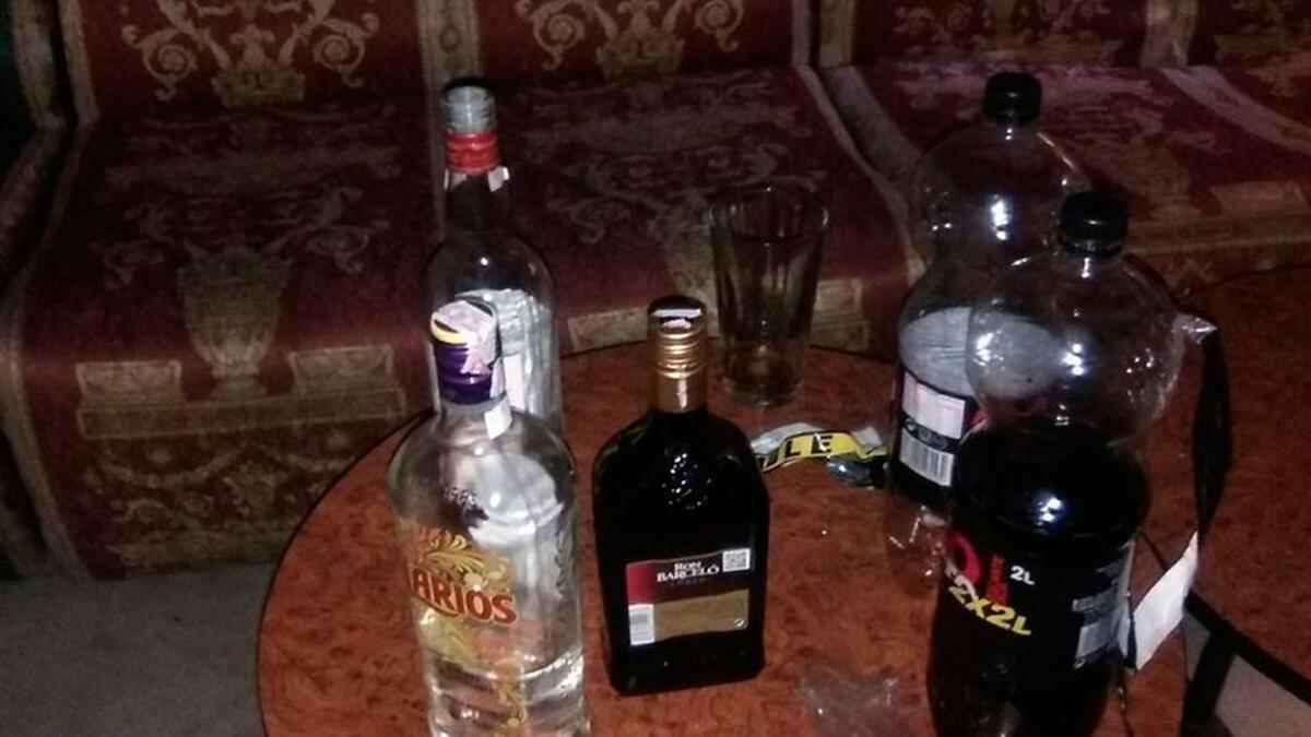 Alcohol de alta graduación.