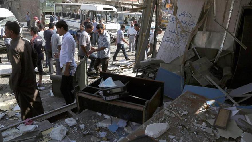 Al menos 17 soldados iraquíes mueren en un doble atentado suicida