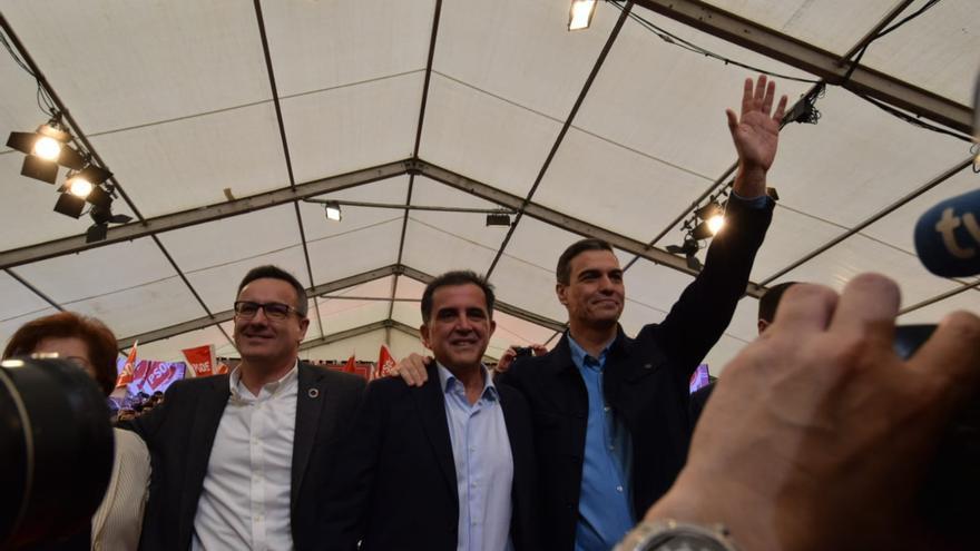Pedro Sánchez en la presentación del candidato a la alcaldía de Murcia José Antonio Serrano en Puente Tocinos/ Carlos Trenor