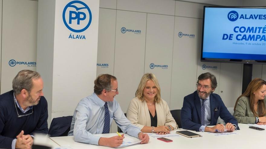 """Alonso destaca que la candidata del PP por Álava Marimar Blanco """"simboliza todo aquello que nos une"""""""