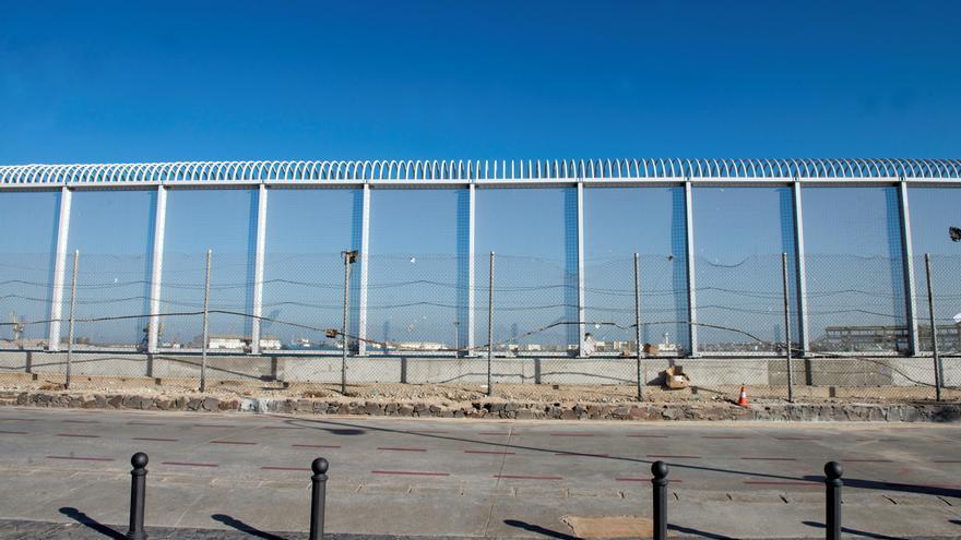 Varios inmigrantes entran en Melilla en el segundo salto a la valla en 2 días
