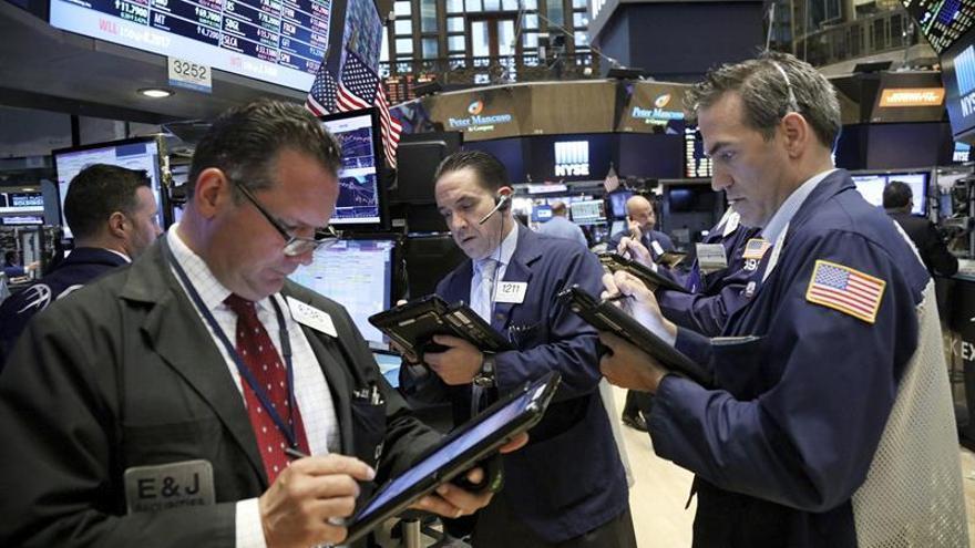 Wall Street abre con pérdidas y el Dow Jones baja un 0,38 por ciento