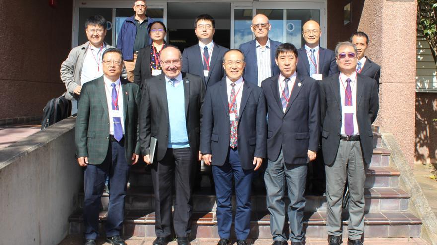 Representantes de la Academia de Ciencias de China (CAS) y del Observatorio Astronómico Nacional de China (NAOC) en la sede central del IAC en La Laguna. Crédito: Alejandra Rueda Moral (IAC)