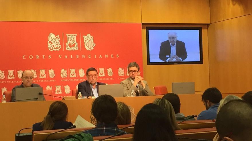 Rafael Blasco comparece desde prisión en las Corts valencianes.