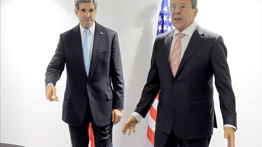 """Kerry llama a Lavrov para exigir el """"cese"""" de los ataques rusos en Debáltsevo"""