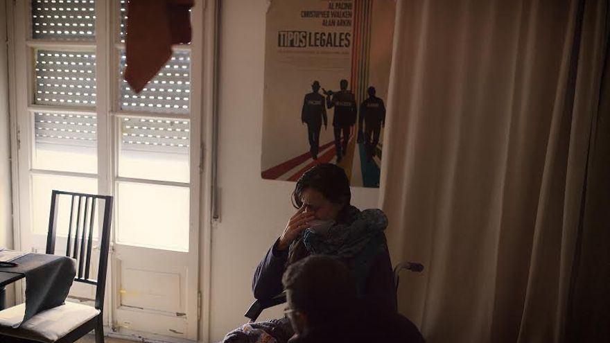 Fotos del desahucio de Maria Goretti, finalmente paralizado. /XAVI HERRERO