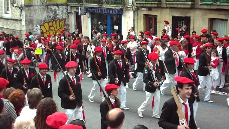 Un momento del desfile mixto.