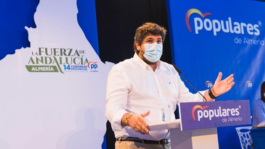 López Miras ha asistido al XIV Congreso Provincial del PP de Almería en el que Javier Aureliano García ha sido nombrado nuevo presidente del partido en la provincia