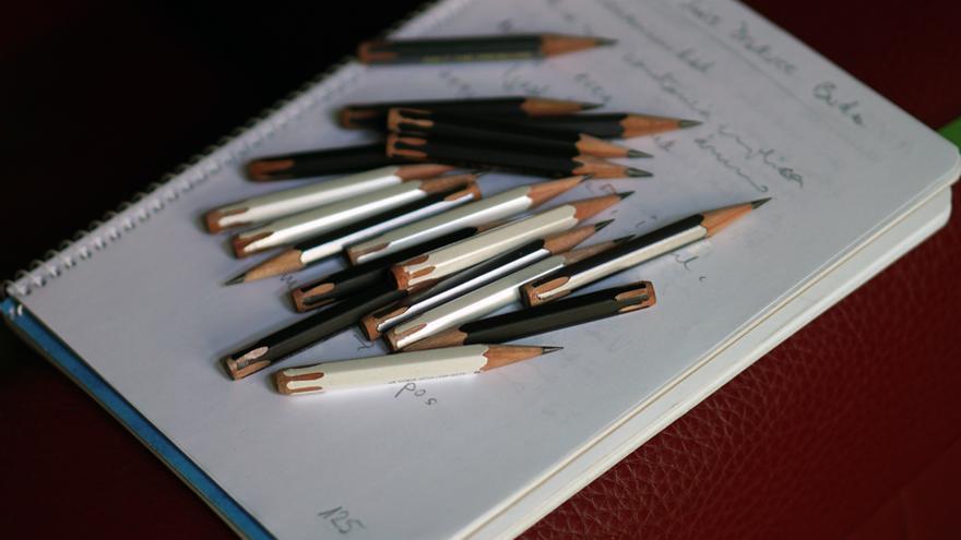 Restos de lápices importados de Japón