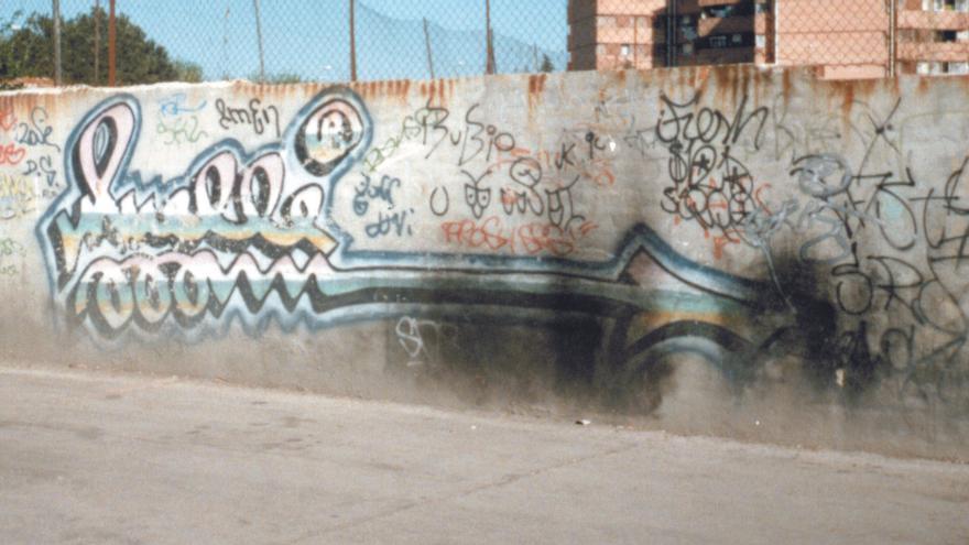 Firma de Muelle en Vallecas junto a Bleck (la rata)