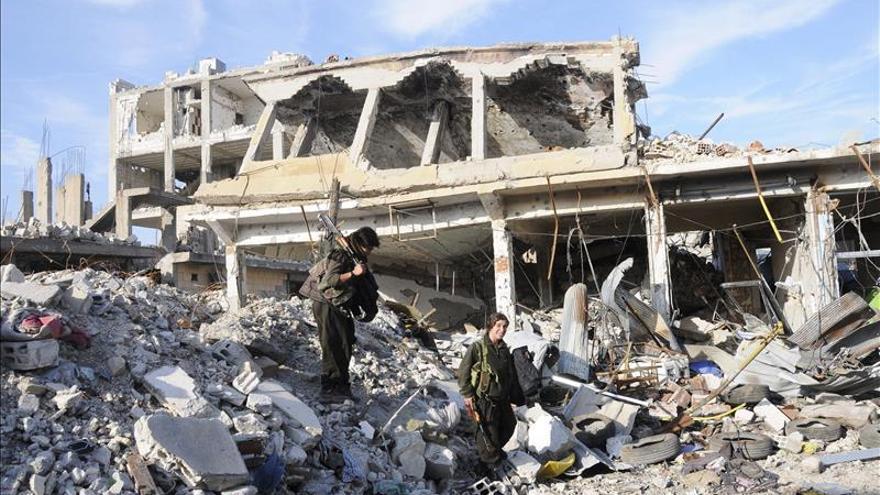 """El EI ofrece """"esclavas"""" a sus combatientes mutilados en Siria, según una ONG"""