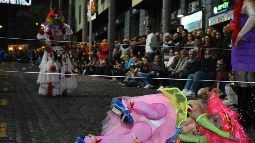 Imagen de la competición de este viernes, la de disfraces con tacones en Puerto de la Cruz