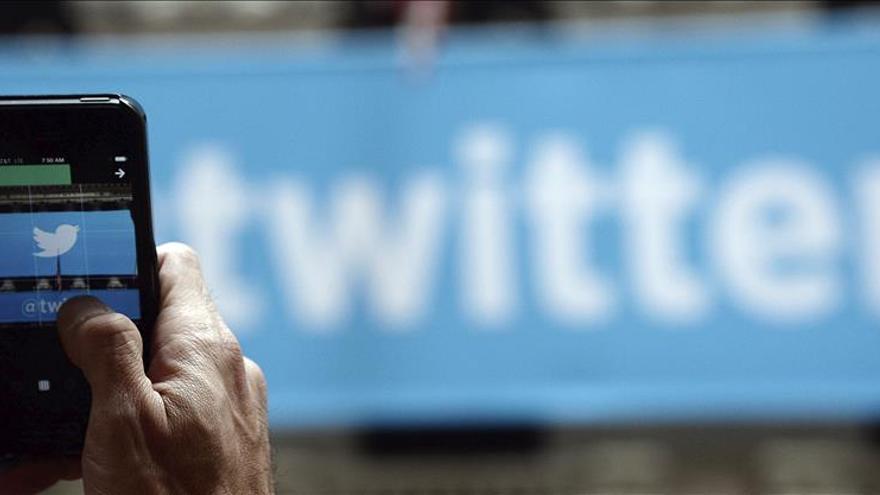 """Twitter vuelve a funcionar tras una """"caída"""" de más de una hora"""