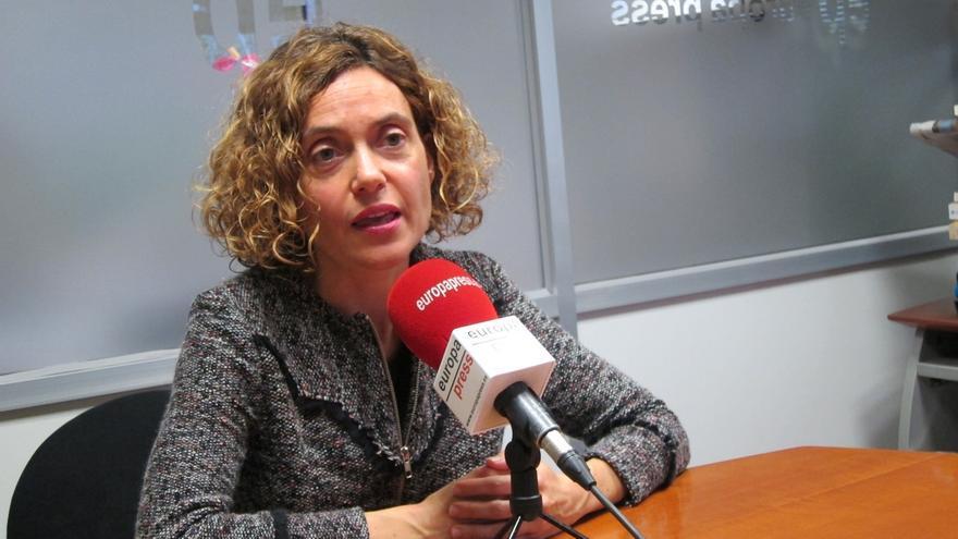 """Batet (PSC) afea a Puigdemont la reunión del referéndum: """"Es continuar en la vía del ridículo"""""""
