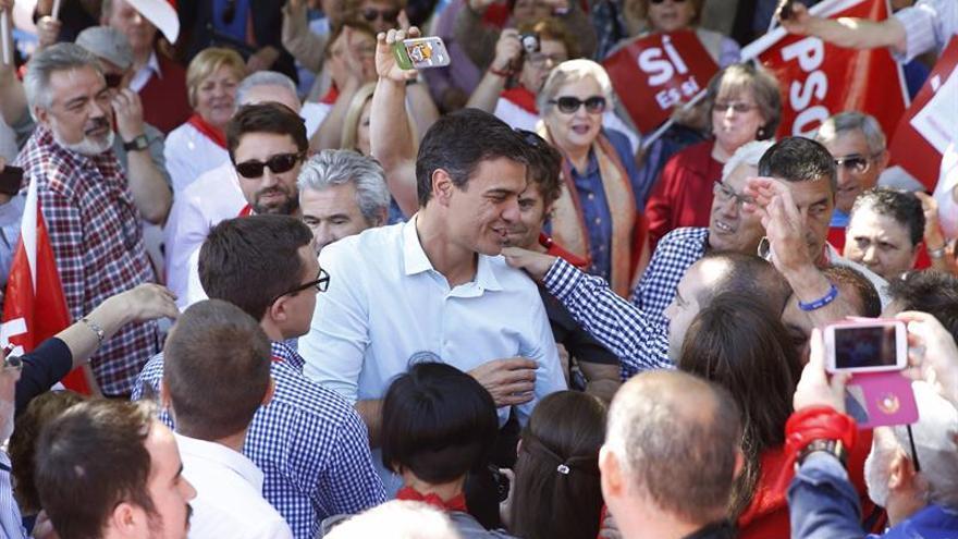 Sánchez se ve candidato de las bases y el único capaz de unir a la izquierda