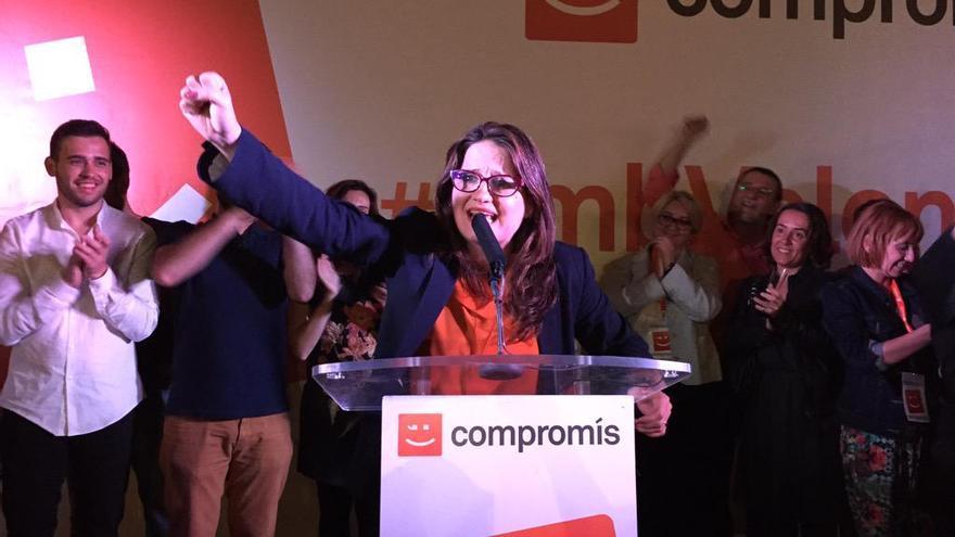 La candidata de Compromís, Mónica Oltra, celebra los resultados de las autonómicas y municipales