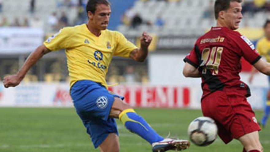 Juanpa, defensa de la UD Las Palmas. (QUIQUE CURBELO)