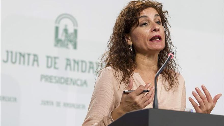 Andalucía alerta de que la reforma fiscal tiende a privatizar los servicios públicos