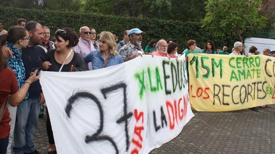 Manifestación en Sevilla en apoyo al padre que lleva 37 días en huelga de hambre por su hijo