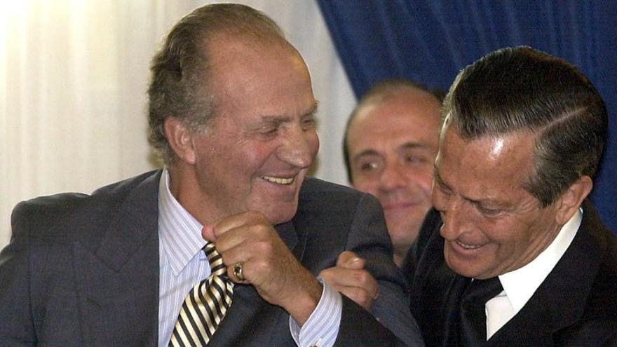 Juan Carlos de Borbón y Adolfo Suárez. Foto: EFE