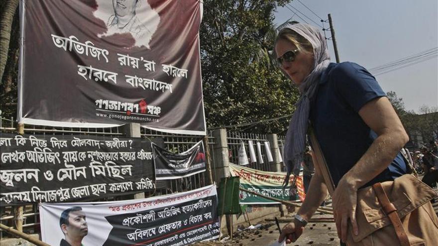 Otro bloguero laico es asesinado en Bangladesh entre acusaciones de impunidad