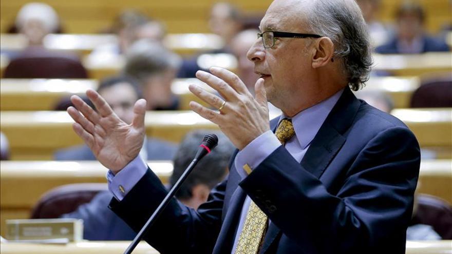 Montoro y Mas-Colell se reúnen esta tarde para tratar el déficit de Cataluña