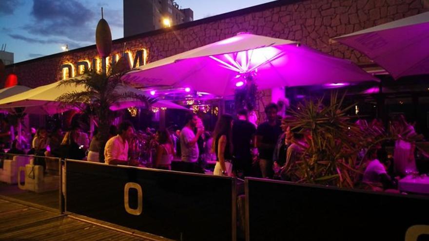 La terraza de la discoteca Opium ha generado malestar entre los vecinos
