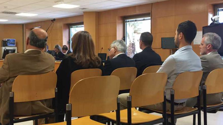 La acusaci n particular pide cuatro a os de c rcel para for Juzgados de plasencia