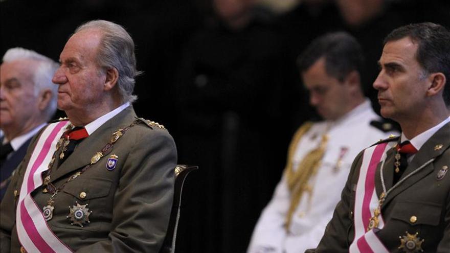 El Rey Juan Carlos y el Príncipe de Asturias este martes (EFE)