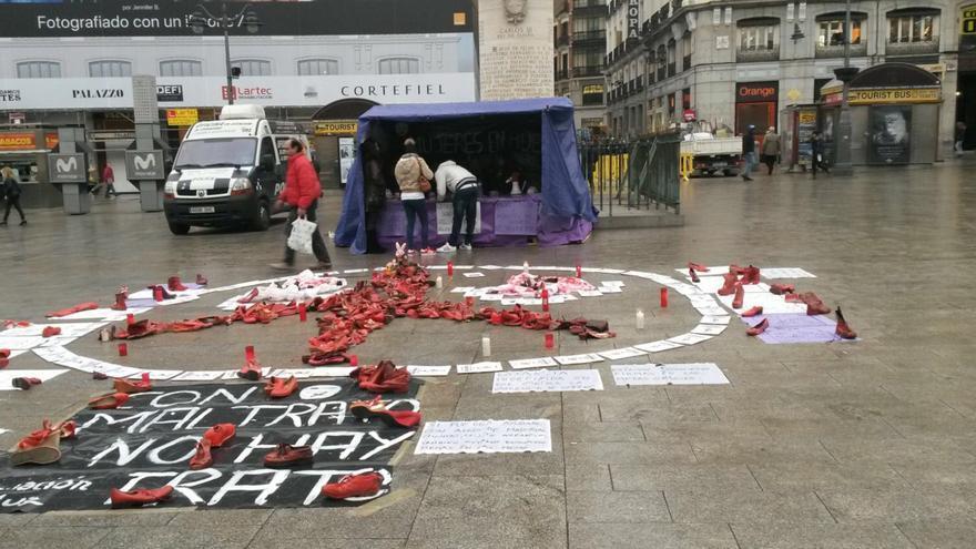 Ocho mujeres inician una huelga de hambre en la Puerta del Sol