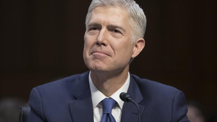 Demócratas atacan al elegido de Trump para el Supremo por favorecer a empresas
