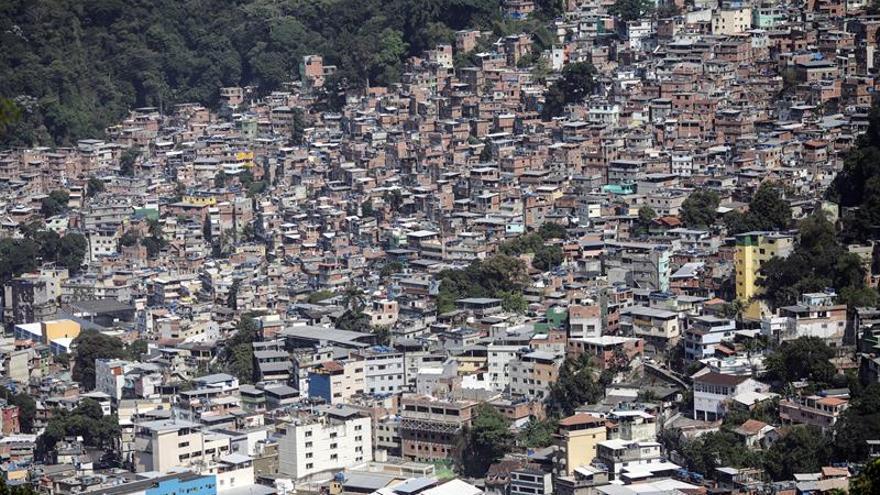 Las Fuerzas Armadas regresan a la mayor favela de Río para dar apoyo a la Policía