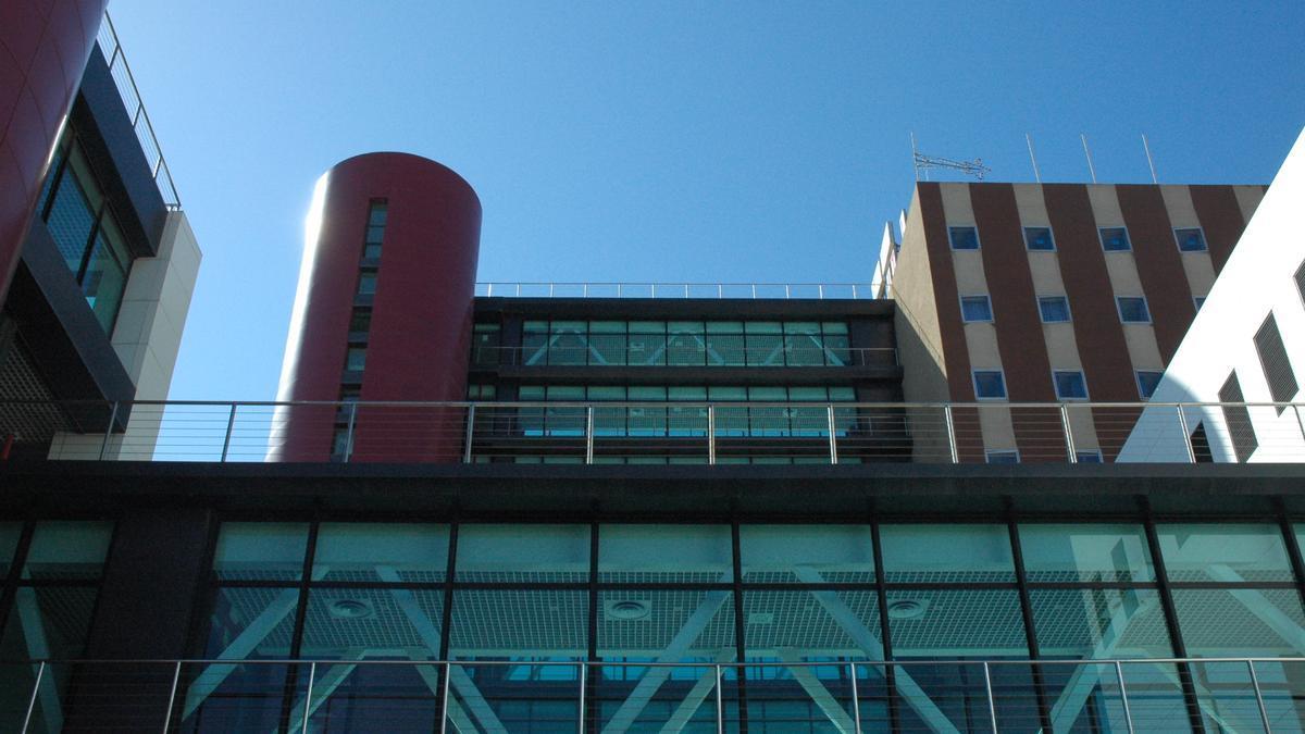 Fachada del Hospital Materno Infantil de Las Palmas de Gran Canaria