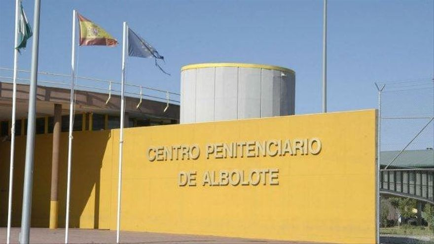 Sindicato de funcionarios alerta de un fuego en la cárcel de Albolote causado por un interno en su celda