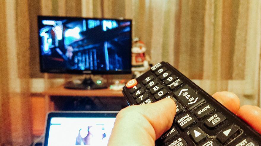 els canals de TDT perden audiència en favor de la televisió de pagament