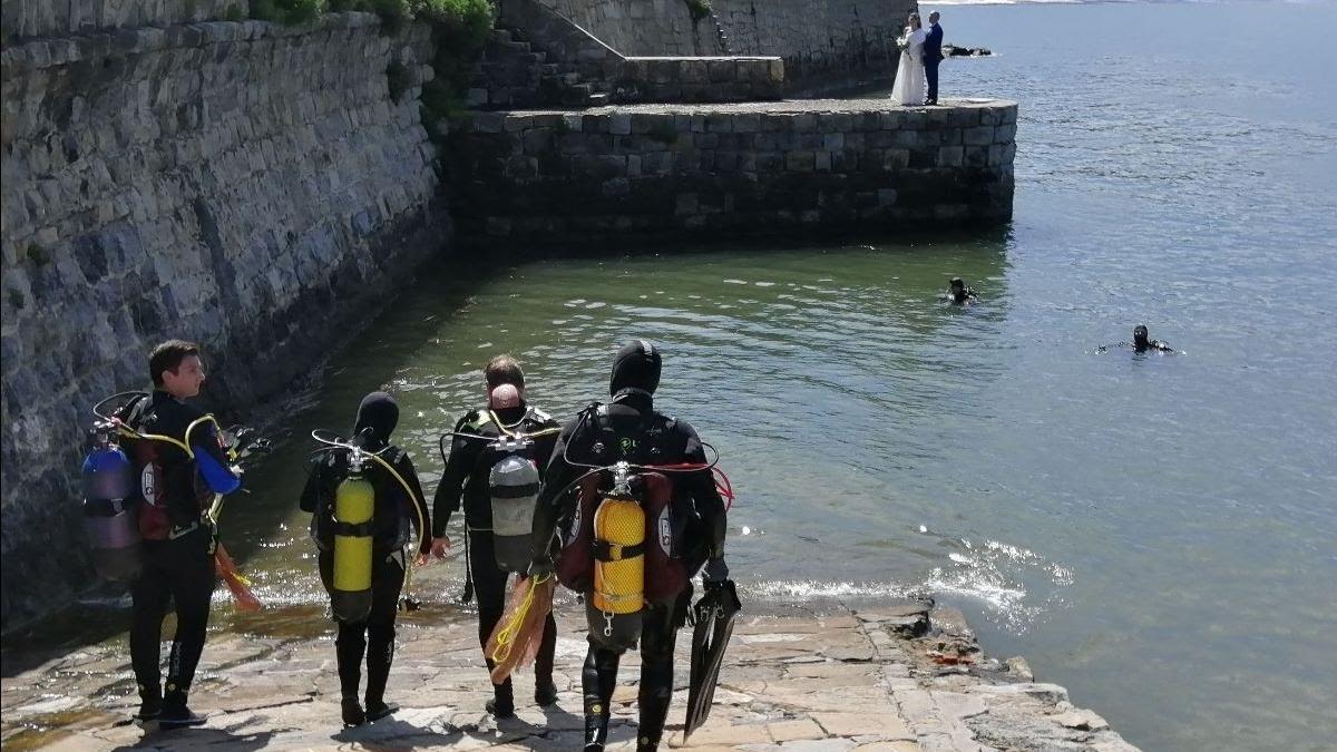 Buzeadores en el Puerto Viejo de Getxo