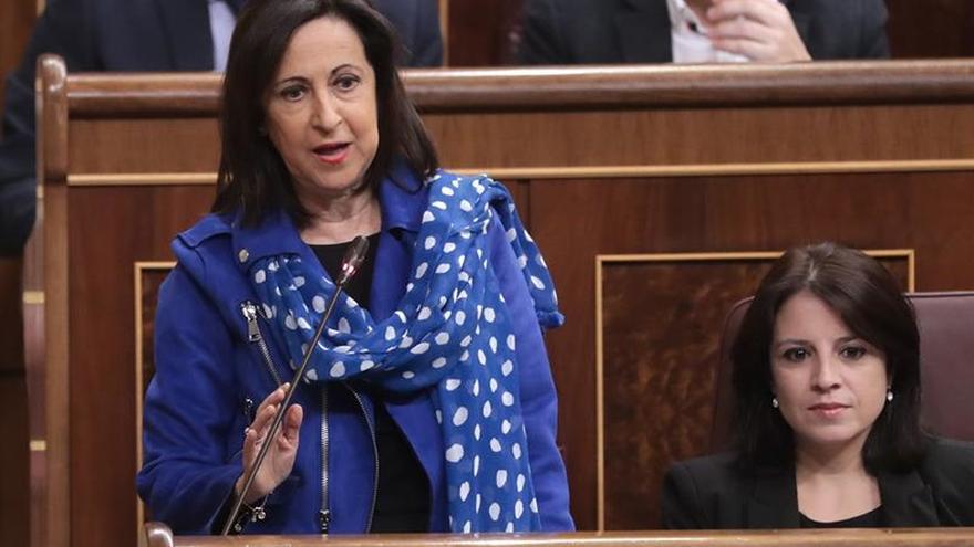 Robles insta a Puigdemont a volver ya para asumir responsabilidades políticas