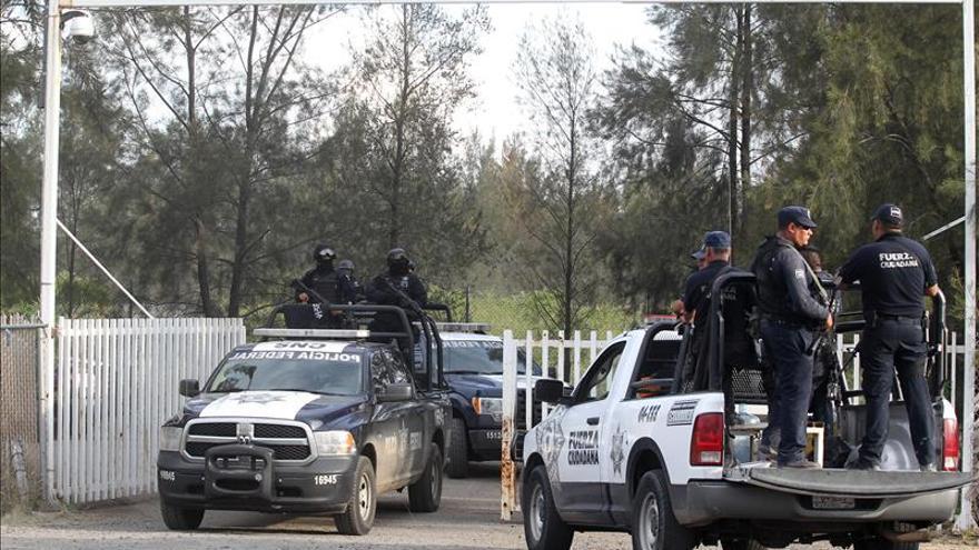 Ordenan a la Policía mexicana entregar los informes del operativo que dejó 43 muertos