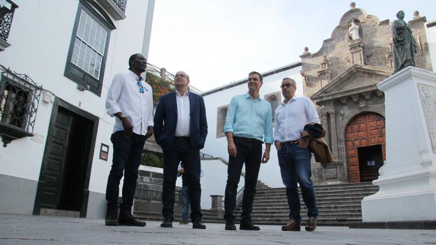 Pedro Sánchez en la Plaza de España. Foto: JOSÉ AYUT.