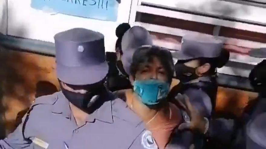 Formosa: detienen a dos concejalas que habían denunciado a Insfrán por los centros de aislamiento