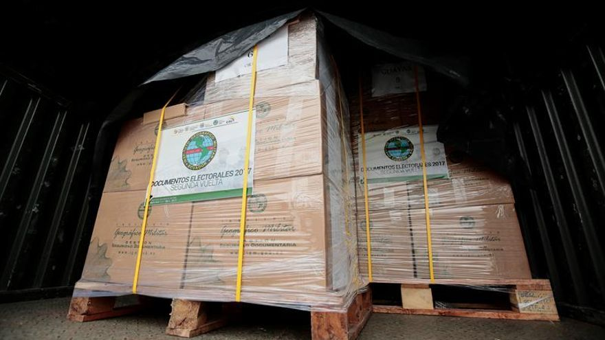 Seguridad a toda prueba para las papeletas de votación en Ecuador