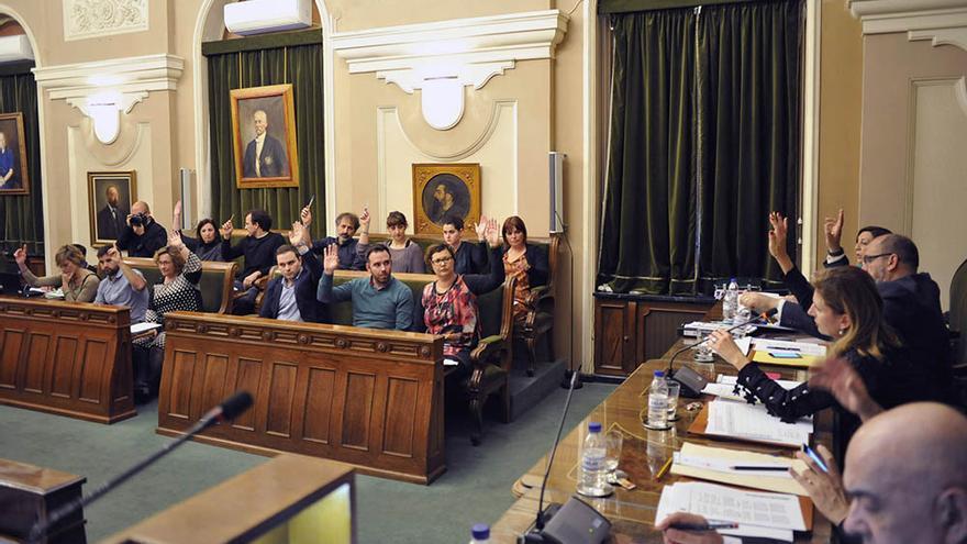 Un momento de una sesión plenaria en el ayuntamiento de Castellón