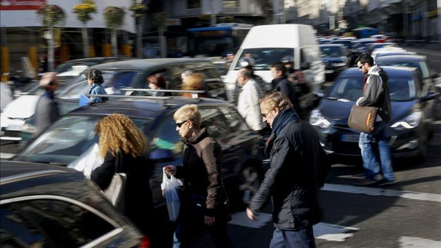 Madrid prohíbe por segundo día seguido aparcar en el centro a los no residentes