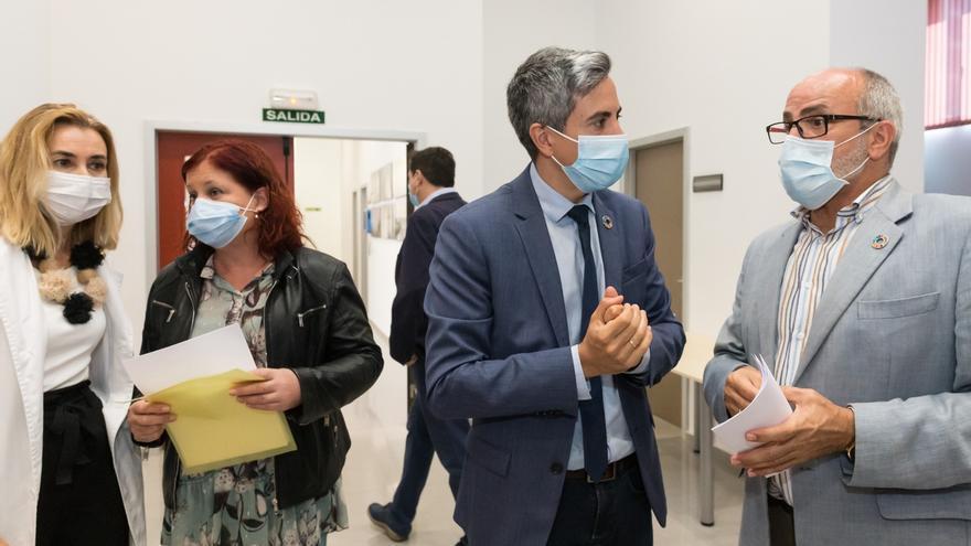 """Cantabria anima a sanitarios a hacer propuestas para """"enfrentarnos a situaciones parecidas"""""""